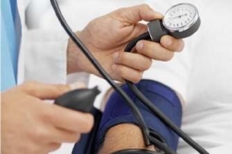 A 50 ans, une HTA > 130 mmHg augmenterait le risque de développer une démence