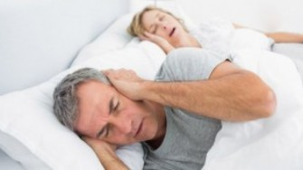 Le ronflement affecte-t-il vraiment la qualité du sommeil du conjoint ?