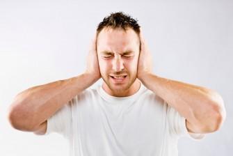 Acouphènes ou bourdonnements doreilles : ces sons parasites qui font souffrir