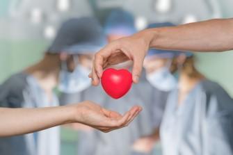 Il y a cinquante ans, la première transplantation cardiaque mondiale a été faite en Afrique du Sud