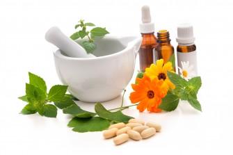 التطبيب الذاتي, الطب البديل و تناول الأعشاب الطبية