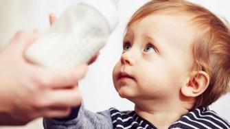 La santé de lenfant entre lait maternel et lait industriel